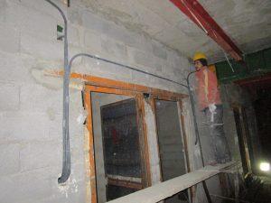 مراحل قوطی و لوله گذاری برق روی دیوار و سقف